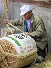 日本のお祝いには樽酒! 画像