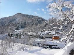 雪中貯蔵風景1